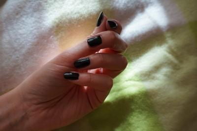 black tbs
