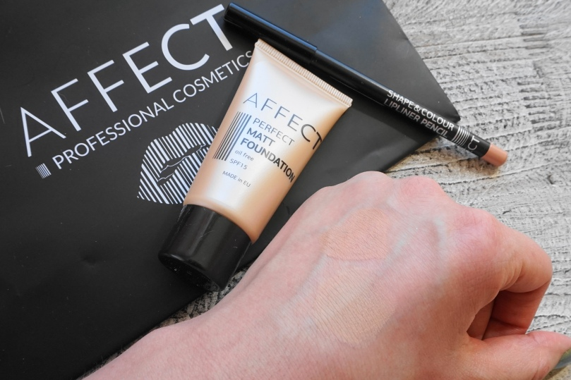 affect cosmetics matt foundation lip liner
