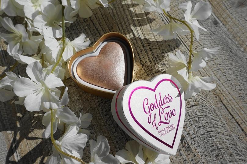 goddess of love triple baked highlighter