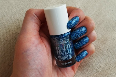 Essence Holo Rocks swatch
