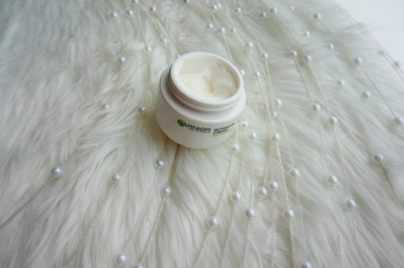 garnier botanical cream open